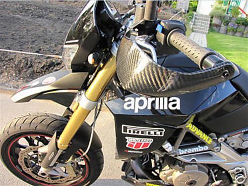 Passend für Aprilia Dorsoduro SMV 750 Carbon Handprotektoren Gold