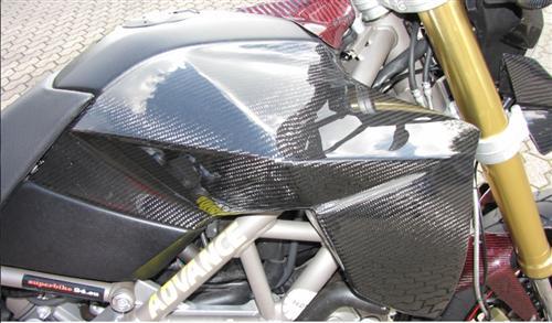 Passend für Aprilia Dorsoduro SMV 750  Carbon Tank Seitenteile Oberhalb