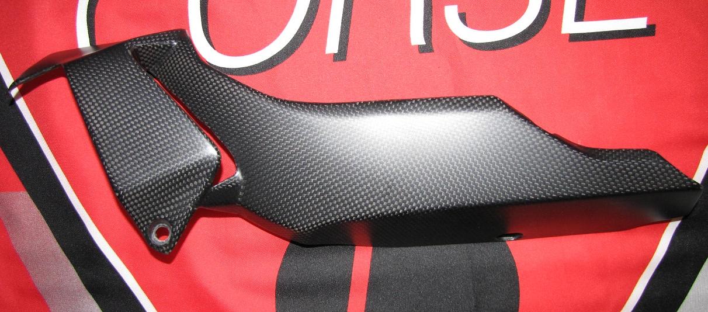 Passend für Ducati 1200 Monster ab2014  Echt Carbon fein Matt Bug Verkleidung li