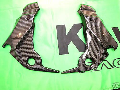 Für Kawasaki ER6 N 2009 Echt Carbon Seitenteile Rahmen NEU