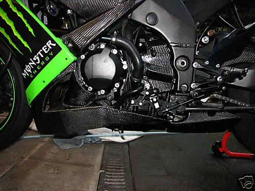 Passend für Kawasaki ZX10-R Echt Carbon Bug Verkleidung unten  08