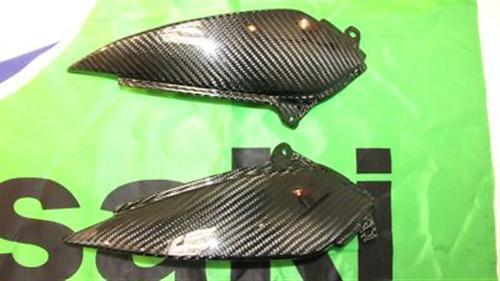 Für Kawasaki ZX-6R Echt CarbonTank Seitenteile 05-06 NEU