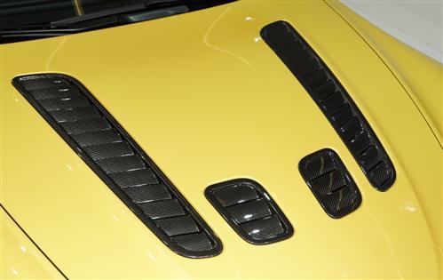 Passend für Aston MartinEcht Carbon Heckdiffusor RAM AIr Haube Lüftung Vantage V